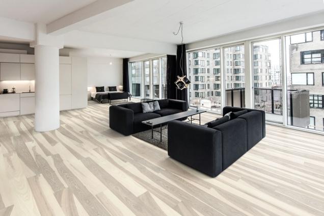 Dřevěná podlaha Kährs, kolekce Lux, dekor Jasan Flow