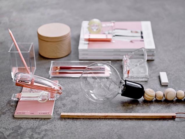 Originální doplňky Bloomingville Rose Gold udělají z pracovny stylovou místnost, cena od 490 Kč, www.nordicday.cz