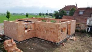 Jak si postavit dům z HELUZu, část 3.:Až 2x rychleji