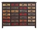 1. Šifonér Mondriani je z recyklovaného dřeva s voskovaným povrchem, 143 x 40 x 106 cm, cena 16 990 Kč, www.butlers.cz