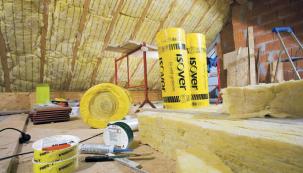Role skelné vlny jsou vhodné pro jakékoliv tepelně a zvukově izolační konstrukce, do konstrukcí nezatížených podhledů, na nepochozí stropní konstrukce apod. (ISOVER)