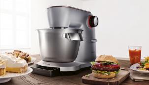 1.Všestranný robot: výrobce: BOSCH, cena: 25 989Kč, www.bosch-home.com/cz  Multifunkční kuchyňský robot OptiMUM se zabudovanou váhou, bohatým příslušenstvím a inteligentním programem, který se postará o správnou konzistenci šlehačky, sněhu nebo těsta.