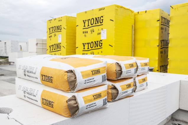Kvalitní výrobci stavebních materiálů vás provedou výstavbou od nápadu až po předání klíčů. Například u Ytongu najdete technického poradce v každém regionu. (Zdroj: Xella)