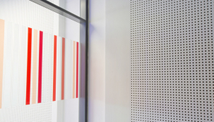 Desky Cleaneo je možné použít i na obklad svislých zdí. (Zdroj: KNAUF)