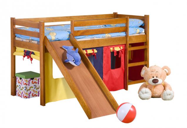 Zvýšená postel Neo Plus se dodává včetně matrace, rámu, barevných záclon, žebříku askluzavky. Masivní borovice, 115 × 89 × 197cm, cena 5399Kč, www.jena-nabytek.cz