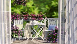 Stakovým cílem si většina znás terasu či zimní zahradu pořizuje. Být venku po většinu roku, apřitom netrpět zimou abýt chráněn před nepřízní počasí.