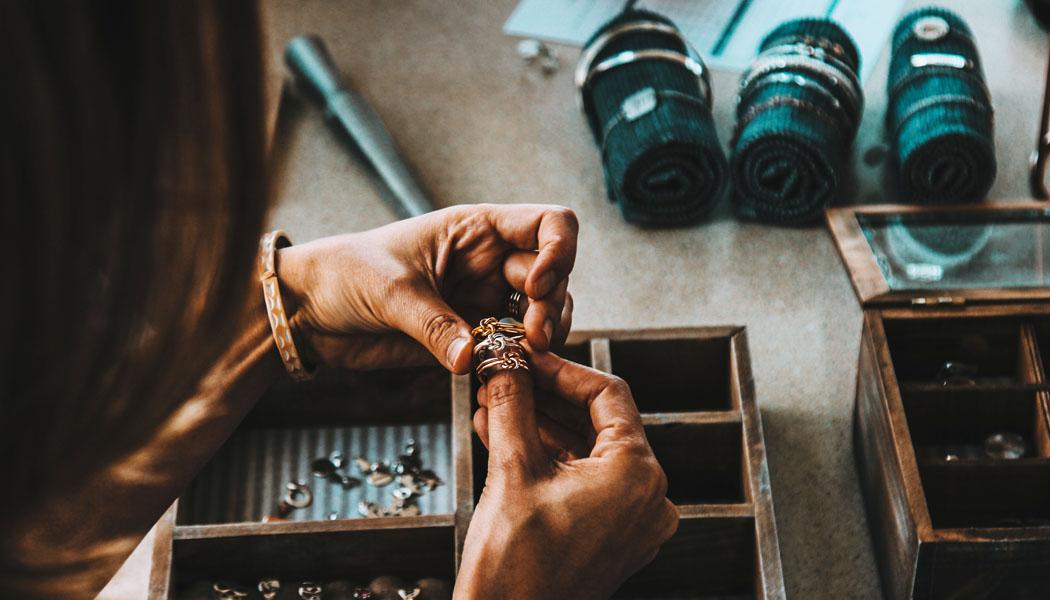 3 tipy, jak pomocí šperků originálně vyzdobit svůj domov