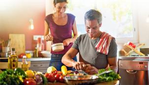 Včasech letní sklizně je třeba rychle zpracovat větší množství nejrůznějších plodů, které by snadno mohly podlehnout zkáze. Vybrali jsme pro vás deset spotřebičů, které vám stímto úkolem pomohou.
