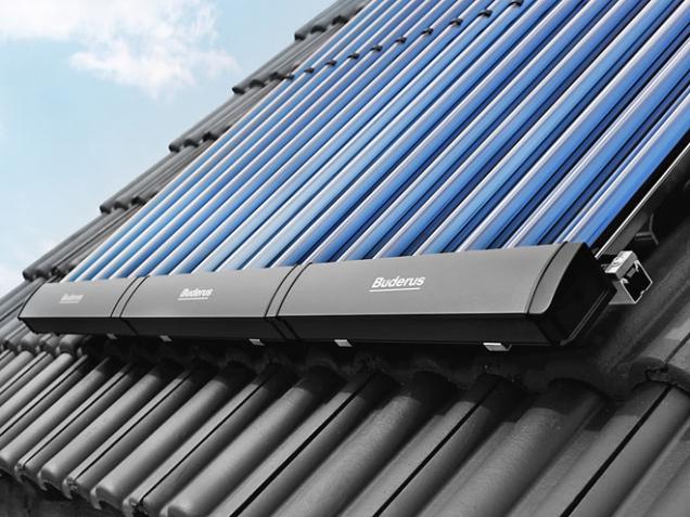 Kolektory BUDERUS jsou přímo předurčeny pro vysoké solární zisky. Mimořádně lehké, se snadnou instalací avelmi elegantním designem...