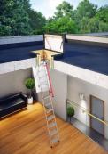 Společnost Fakro nabízí různé typy půdních schodů, které umožňují uspokojit individuální potřeby zákazníků.