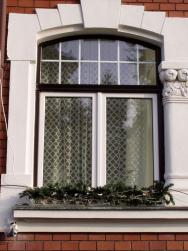 PVC okna nahradila stará dřevěná - lze i dvoubarevně (Zdroj: VEKRA)