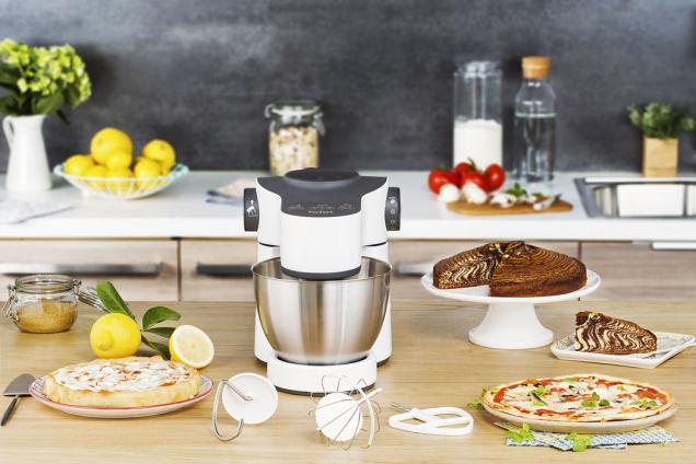 """1. CENA:Kuchynský robot """"Wizzo"""" od Tefal vhodnote 205 €, ktorý uľahčí pečenie, hravo pripraví cesto nakoláč, tortu, pizzu, čokoládovú penu alebo kysnuté koláče."""