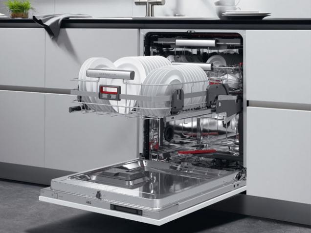AEG myčka Comfortlift AEG (Zdroj: HANÁK)