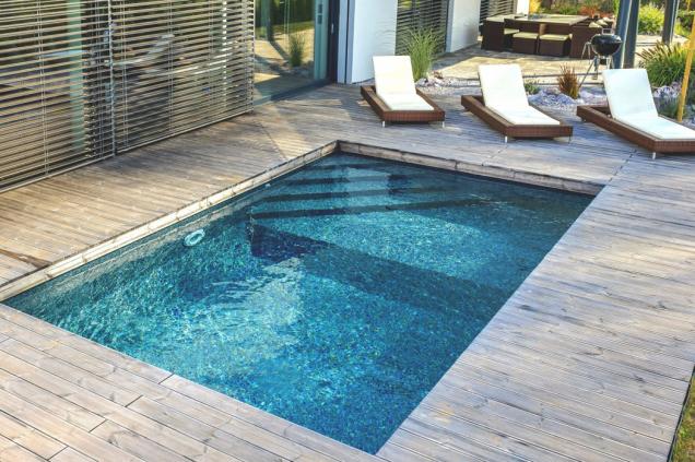 Díky inteligentní konstrukci umí dodavatel instalovat stavebnicové bazény Mercury během jediného dne. Na snímku model Porto s dvěma úrovněmi dna. (Zdroj: Mountfield)