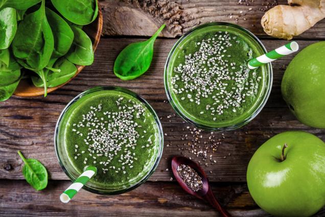 Po pár dnech pití ranních smoothies budete čilejší avitálnější, jelikož vám budou žilami proudit vitaminy, minerály, esenciální aminokyseliny adalší velmi potřebné živiny vpřírodní alehce stravitelné formě.