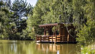 1. místo:Wellness Fishing,Jižní Čechy, Velký Ratmírov, www.wellness-fishing.cz