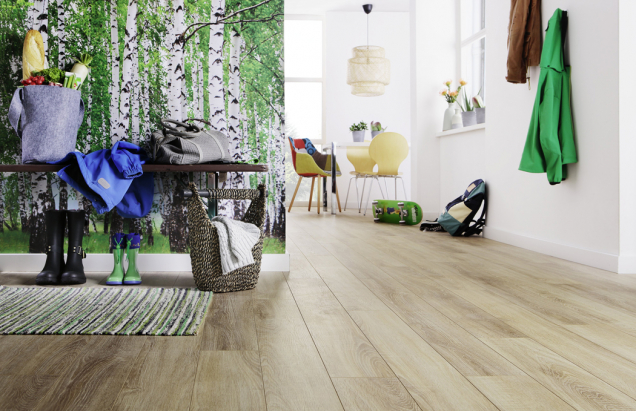 Aqua-Stop laminát Wineo 500 medium, dekor Traditional oak brown (Zdroj: KPP)