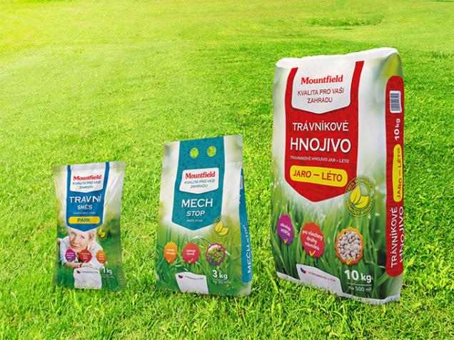 K dostání jsou kvalitní osivové směsi, ale i trávníkové hnojivo a přípravky na likvidaci a prevenci růstu mechu. (Zdroj: Mountfield)