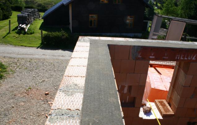 HELUZ MIAKO – Zhotovení stropu, geometrická přesnost (Zdroj: Heluz)