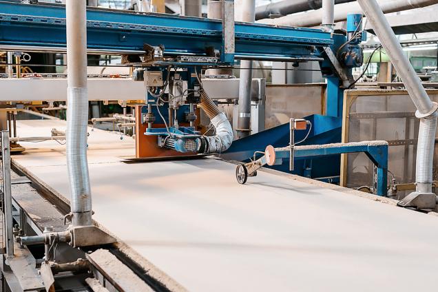 Vpraxi se kvýrobě izolací stále více používají ryze přírodní produkty. Od minerální vaty až popazdeří či konopná vlákna...