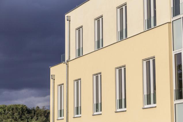 Okna PROGRESS s integrovanou stínicí technikou jsou vhodná pro nízkoenergetické a pasivní domy. (Zdroj: DAFE-PLAST)