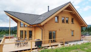 Do roku 2019 vstoupila společnost MEDITERRAN CZ z Brna, výhradní dodavatel betonové střešní krytiny TERRAN, reprezentované střešními taškami Synus, Danubia, Coppo, Rundo a Zenit, v plné kondici. Hlavní přednosti – vysoká kvalita, široký sortiment, atraktivní barevná škála a výběr povrchových úprav spolu s dostupností a 50letou zárukou zůstaly. Neustal ani inovační potenciál – po loňských novinkách se zákazníci mohou těšit i letos na nové a velmi atraktivní premiéry. (Zdroj: Mediterran CZ)