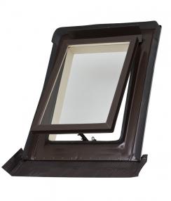 Moderní kominický výlez pro šikmou střechu z nabídky HPI-CZ je navržen tak, aby svou velikostí 550 x 720 mm splnil požadavky normy ČSN 73 4201 pro komíny a kouřovody. (Zdroj: HPI-CZ)