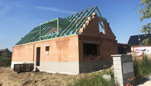 Konstrukce krovu v sobě snoubí moderní pojetí střechy s tradičními znalostmi a precizním řemeslem.  (Zdroj: Wienerberger )