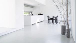 Požadavky na povrchovou úpravu stěn mohou být různé. Sádrové omítky iprodukty řady Knauf Perfect Surfaces splňují nejrůznější požadavky na kvalitu azpracování. Jak dosáhnout za reálných podmínek kvality tmelení Q1 až Q4? (Zdroj: Knauf)