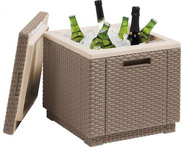 7.Úložný stolek Cube (ALLIBERT) lze naplnit ledem auchovávat vněm chlazené nápoje nebo ho využít ksezení, 42 × 42cm, výška 38cm, cena 1190Kč, www.hornbach.cz