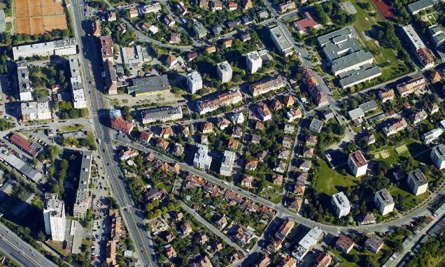 Heterogenní struktury vMetropolitním plánu kombinují více typů zástavby různého využití zpravidla voddělených budovách. Jde obvykle opřechodová území mezi středem aokrajem města.