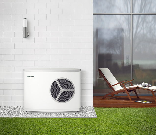 Tepelné čerpadlo WPL 10 AC vzduch/voda je díky malé potřebě místa (monoblokové venkovní provedení) atraktivní pro novostavby, řadové domy anaúzké parcely (STIEBEL ELTRON)