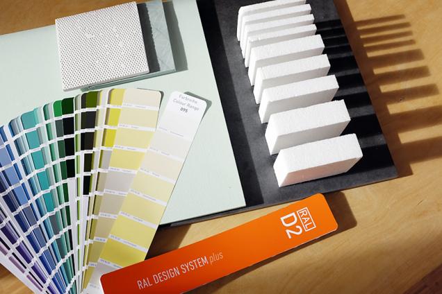 Barvy navýmalbu arůzné nátěry vybírejte vždy podle vzorkovníků. Pokud si nejste jisti vlastním citem pro barvy ajejich kombinace, nechte si poradit oddesignéra (foto RAL)
