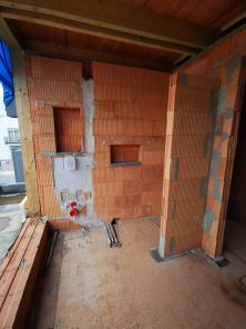 Zednické úpravy koupelen před umístěním nábytku. (Zdroj: Wienerberger)
