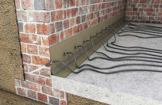 Vytvoření horizontální bariéry pomocí chemické injektážní metody je vůči zdivu ikonstrukci domu velmi šetrné, protože pro distribuci vhodné sanační látky jsou potřeba pouze malé otvory.