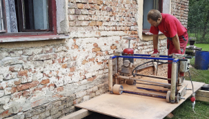 Podřezání zdiva patří mezi jednu znejúčinnějších metod sanace vlhkosti tam, kde hydroizolace chybí, avšak je to metoda destruktivní.