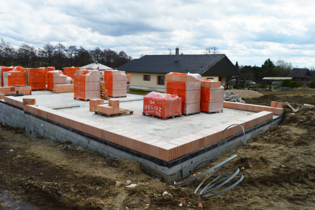 Příprava na stavbu (Zdroj: HELUZ)