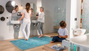 Komfortní koupelny mohou bez omezení využívat všechny věkové skupiny. Je pro ně charakteristické předvídavé plánování návrhu, inteligentní zařizovací a sanitární produkty a propracované využití světla, barev a materiálů. (Foto: Viega)