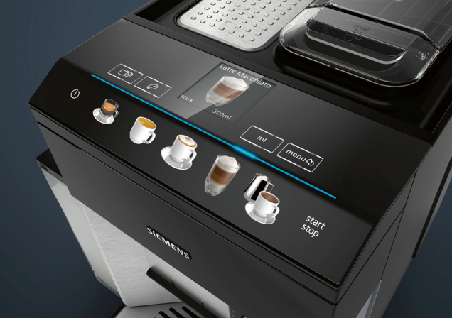 Kávovar Siemens EQ.500 displej (Zdroj: Bosch)
