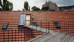 POSUVNÉ STŘEŠNÍ DVEŘE Solara, sedlová střecha (Zdroj: Solara)
