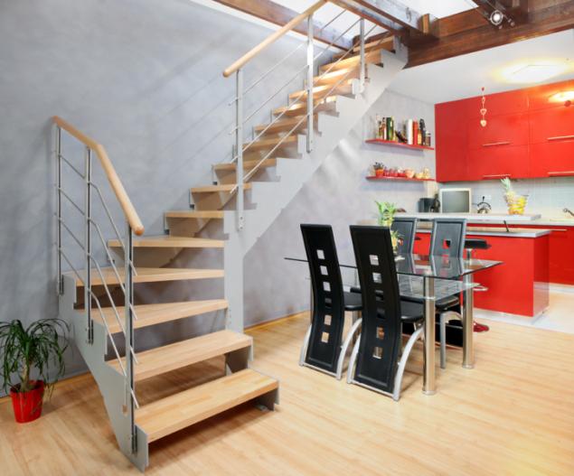 Příklad bočnicového schodiště, foto JAP FUTURE