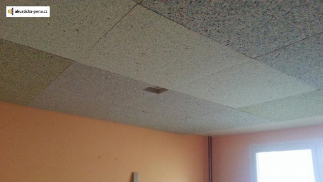 Odhlučnění stropu (Zdroj: akusticka-pena.cz)