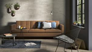 Connect, kolekce keramických dlažeb italské značky Panaria, nabízí také obkladové dlaždice kombinované z pásků o třech výškách (40, 60 a 80) mm v e stejném dekoru. Stěna bude působit jemnějším a zajímavějším dojmem. www.panaria.it