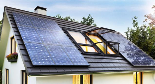 Fotovoltaickou elektrárnu (FVE) si na svůj rodinný dům může instalovat každý, kdo má zájem o snižování výdajů na energie a zvyšování svojí energetické soběstačnosti