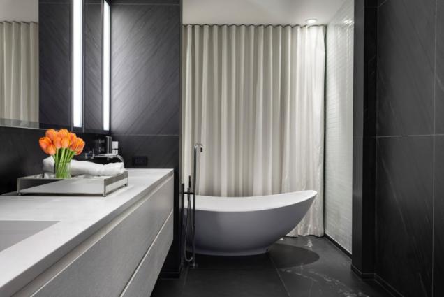 Vnitřní dispozice domu odrážejí nesmírnou invenci designéra.