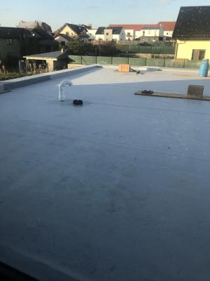 Izolace tohoto typu střechy je velmi náročná na kvalitu použitých materiálů a odvedené práce, na nich záleží vlastnosti, a především trvanlivost střechy. (Zdroj: Wienerberger)