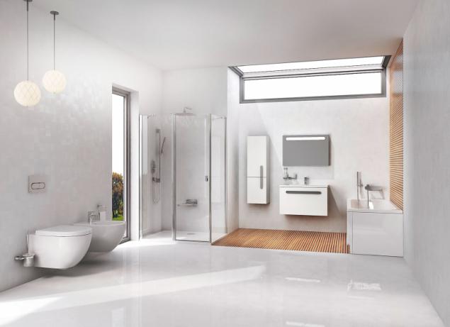Koupelnu Chrome můžete snadno sladit do jednoho celku. K vaně můžete pořídit zástěnu i sprchový kout, odtokový žlab, sedátko, umyvadlo s nábytkem, baterii či další doplňky (RAVAK)
