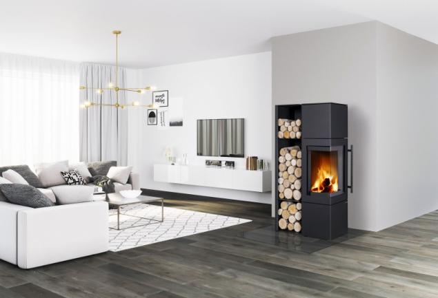 Akumulační krbová kamna ESQUINA N jsou vhodná pro nízkoenergetické domy. Do kamen lze dokoupit akumulační prvky, které sálají teplo až 5 h (ROMOTOP)
