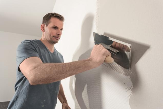 Štukování je základ pro hladké stěny (Zdroj: Hornbach)