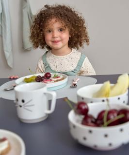 Porcelánové jídelní sady Lässig jsou pokresleny buď zahradními motivy v kolekci Garden Explorer nebo zvířátky vkolekci Little Chums. (Zdroj: Babypoint)